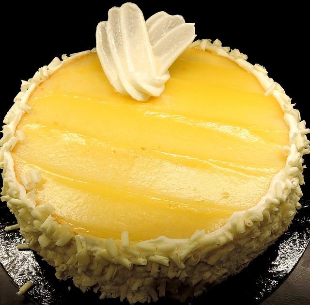 limoncello-cake-913513_640